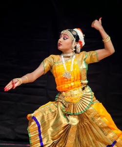 Bharat-Natyam-Poses-29