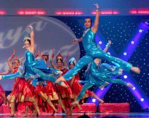 Naya-Andaz-2012-Holi-Re-and-Silsila-16